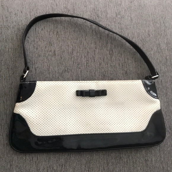 Handbags - Vintage white corked vegan leather clutch with bow